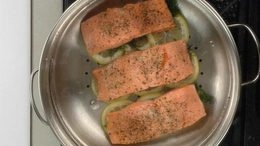 Steamed Salmon w/ Lemon & Dill
