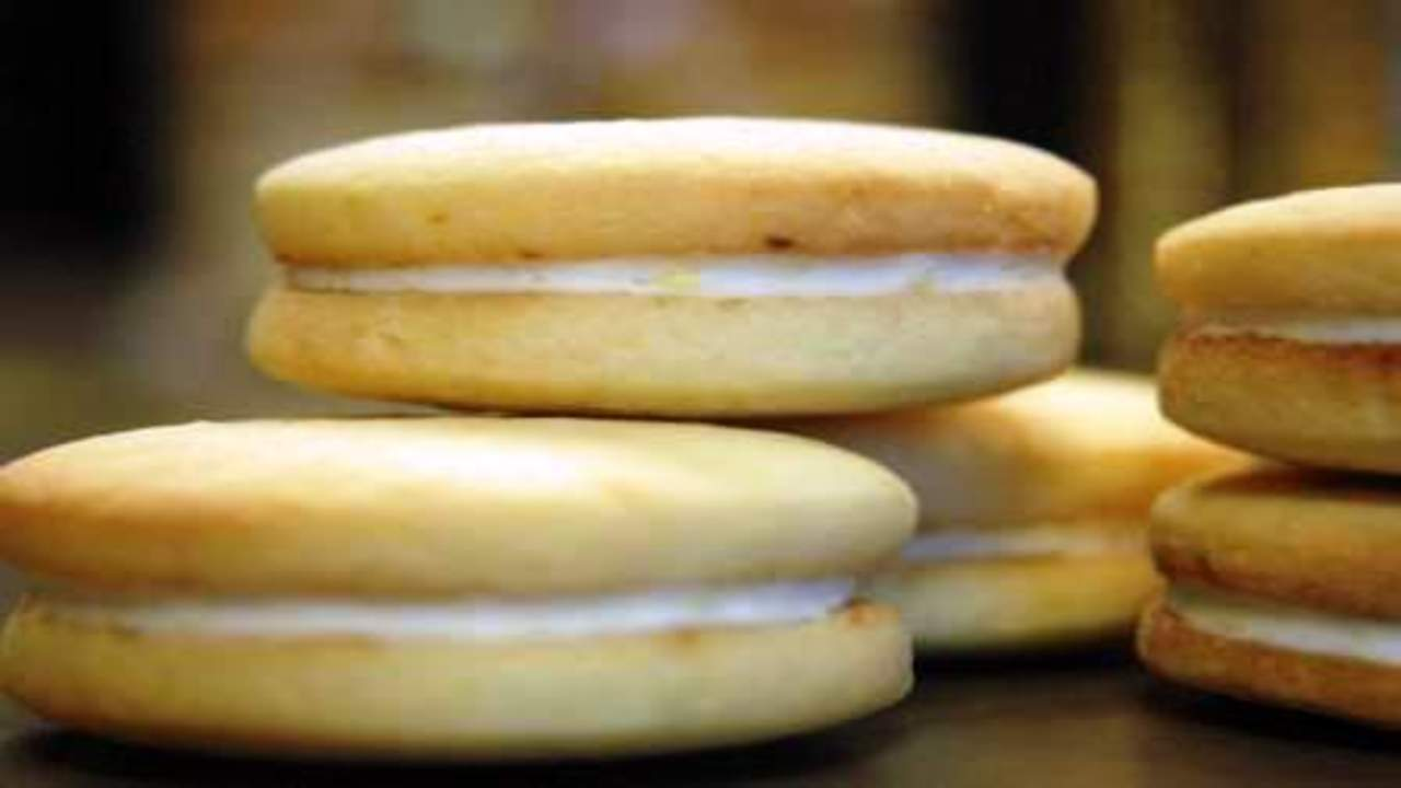 Lemon Filled Shortbread Cookies