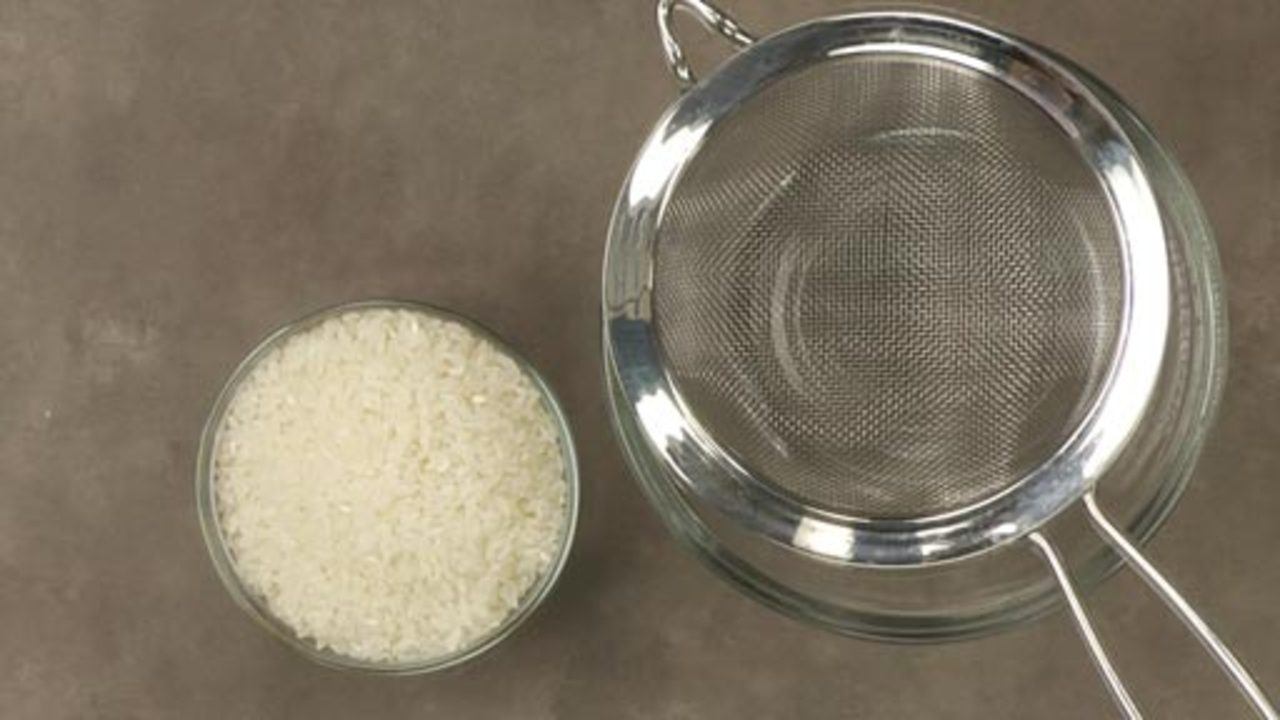 Rinsing the Rice (optional)