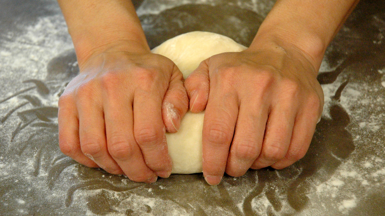Kneading and Resting the Dough