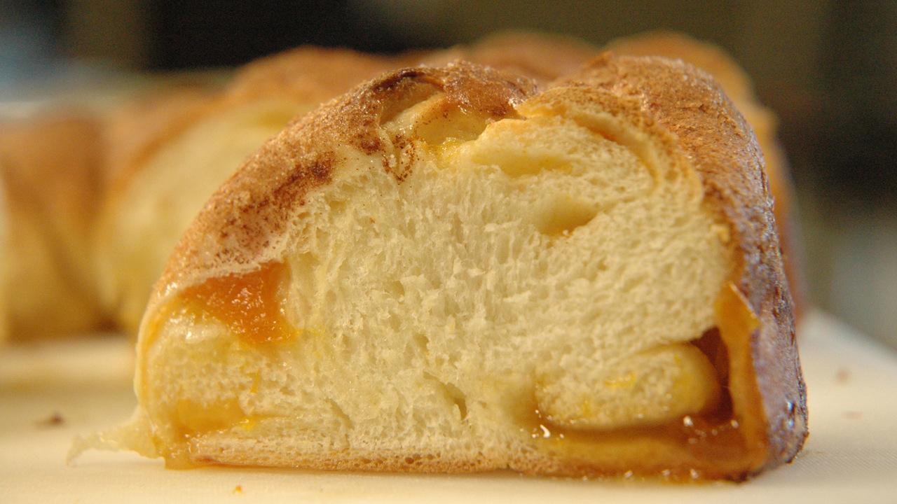 Alba's Sweet Bread | Rosca De Dulce