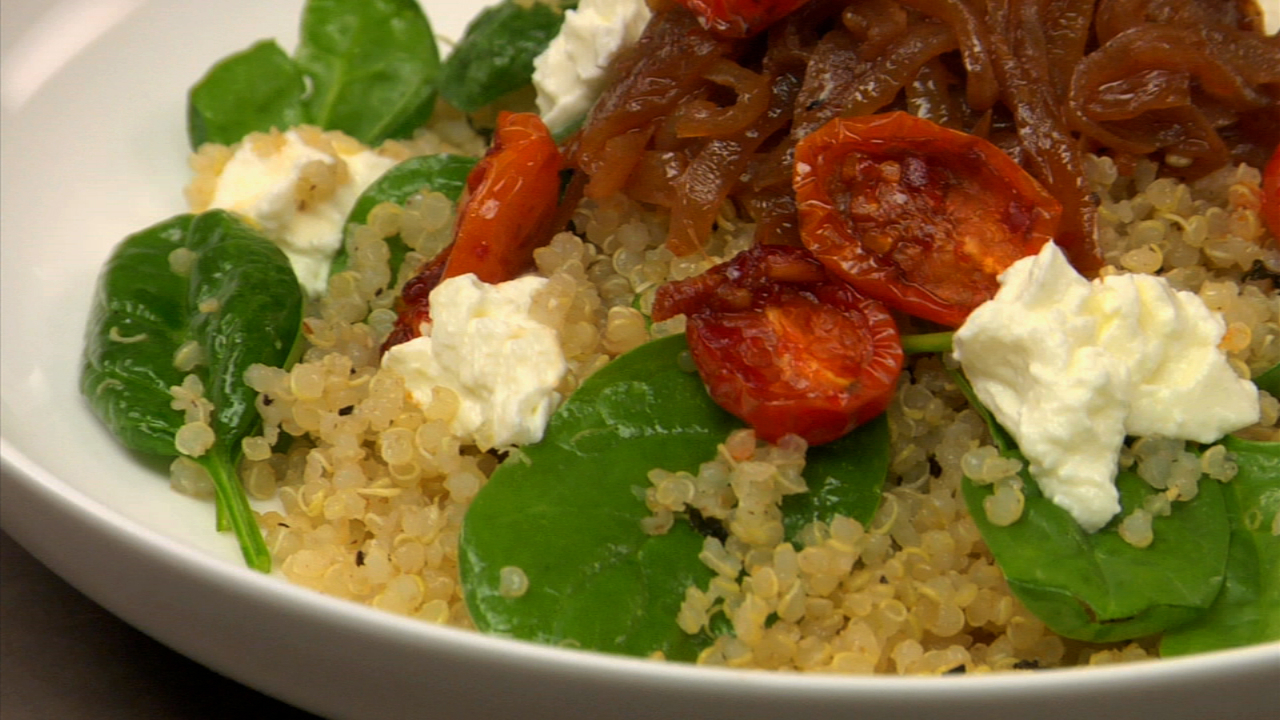 Bulgur Salad With Spinach & Roasted Tomatoes