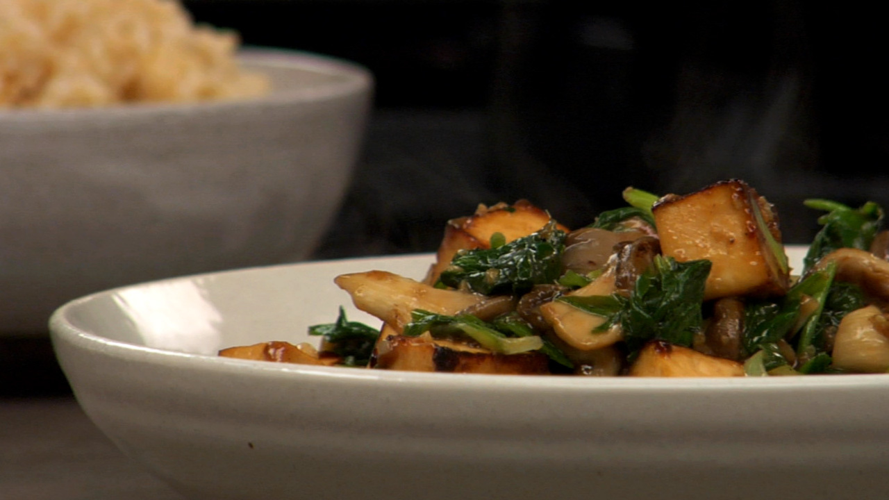 Stir Fried Tofu, Oyster Mushrooms & Spinach