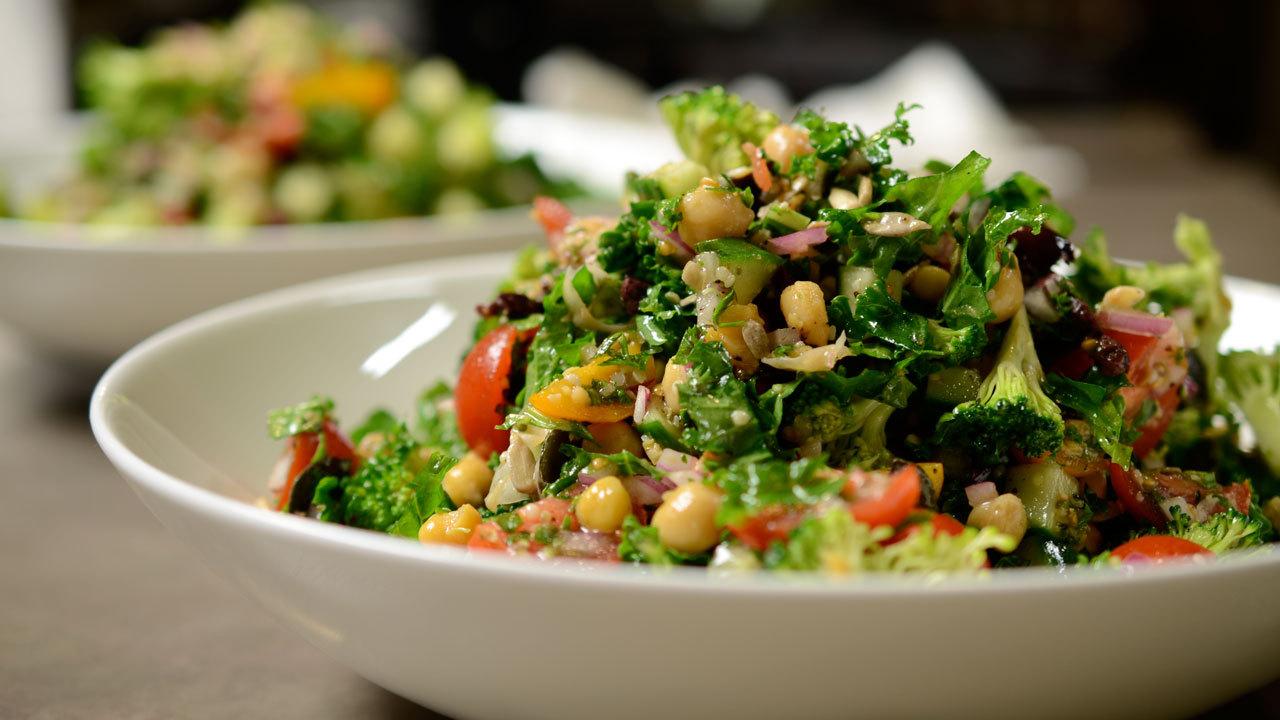 Crunchy Mediterranean Salad