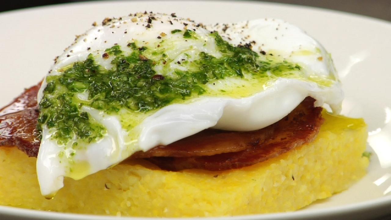 Polenta Con Uova E Pesto | Polenta W/ Eggs & Pesto