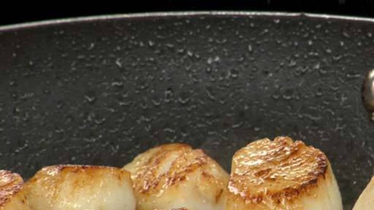 Pan-Searing the Scallops