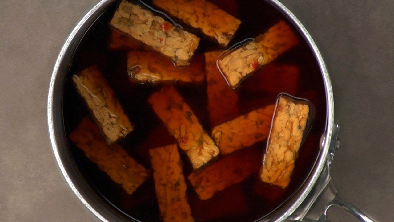 Preparing the Tempeh
