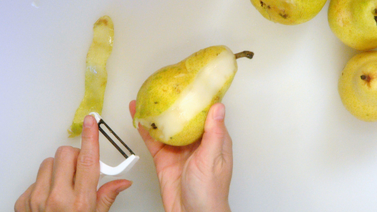 Preparing the Poached Pears