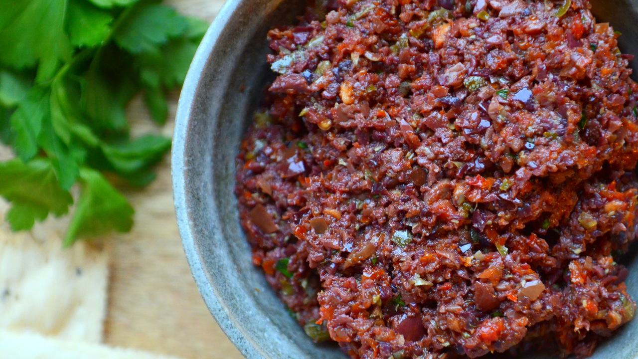 Olive & Sun Dried Tomato Tapenade
