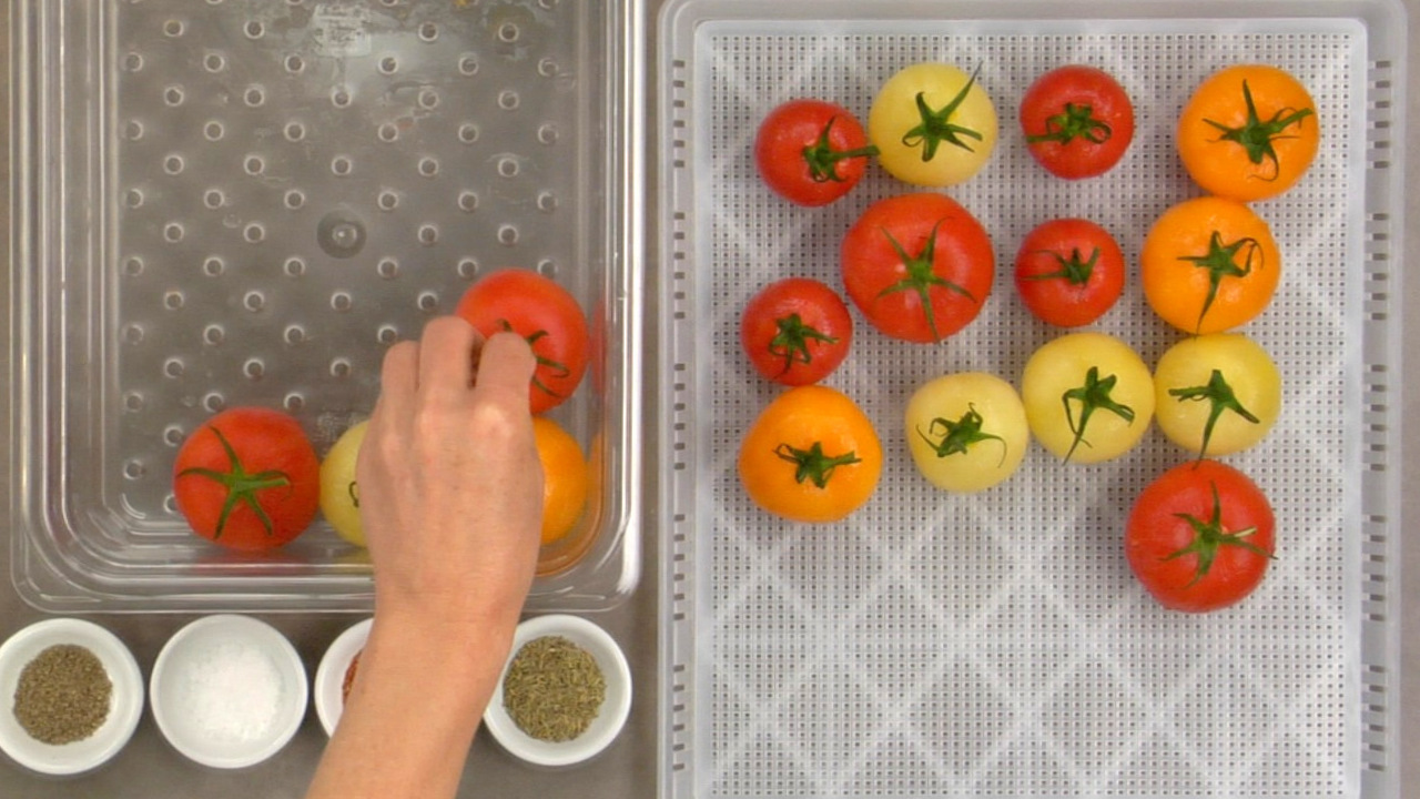 Preparing the Semi–Dried Tomatoes