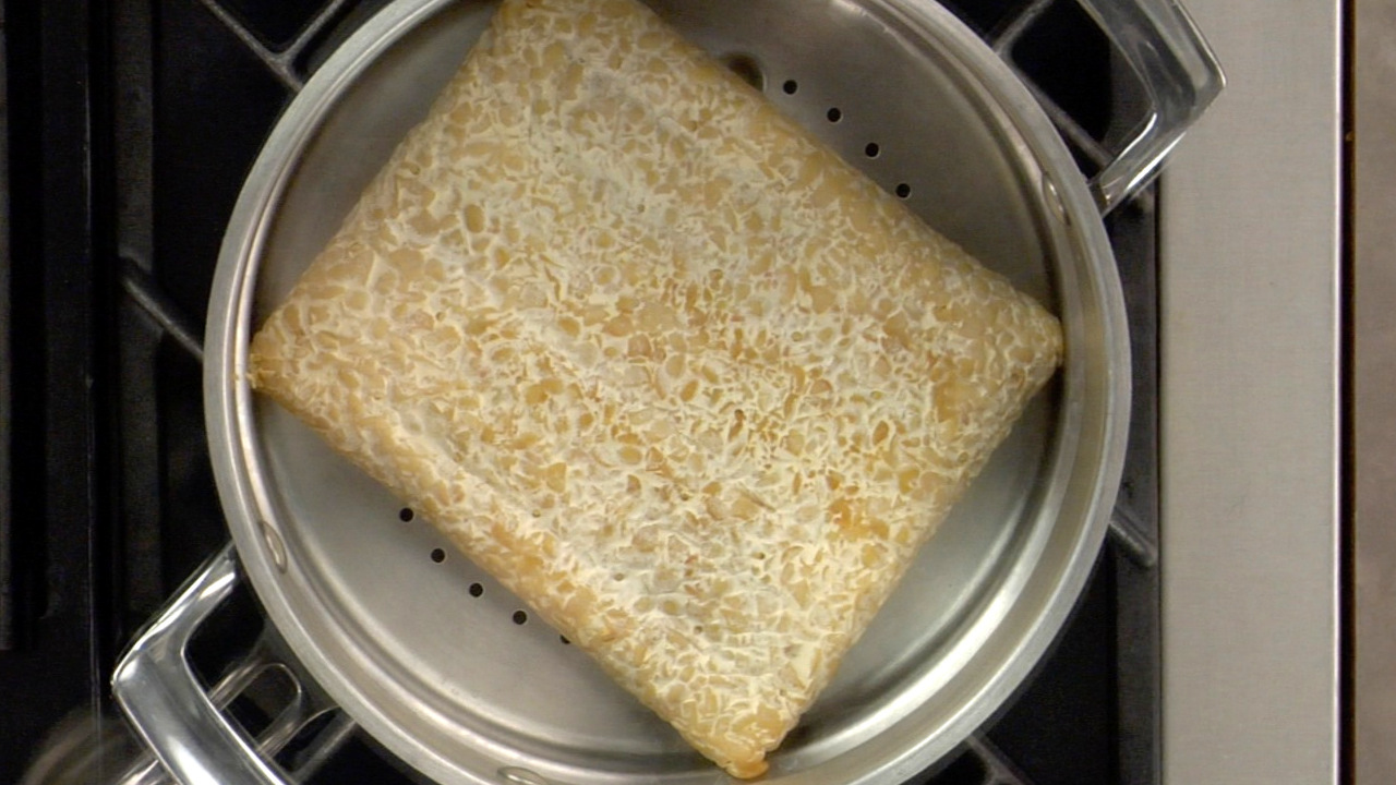 Steaming the Tempeh