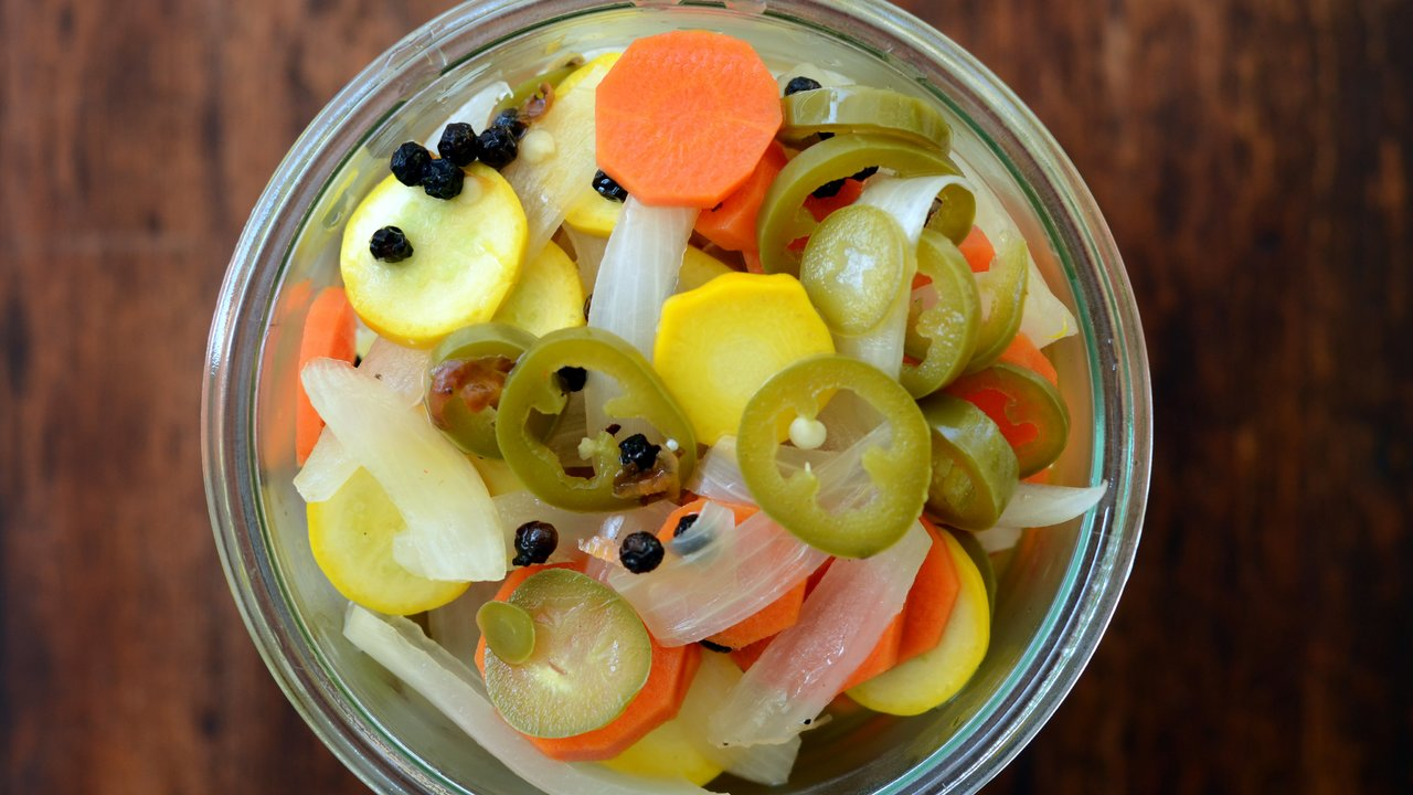 Pickled Carrots & Jalapeños | Escabeche
