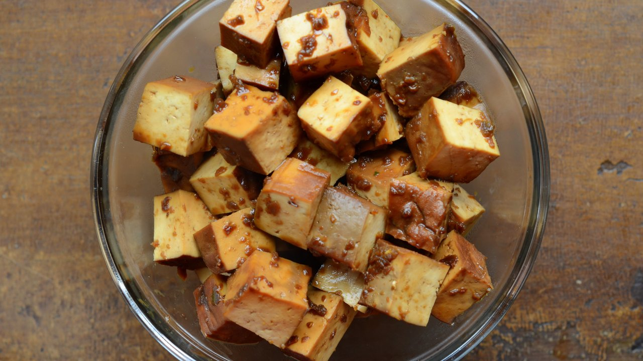 Marinating & Cooking the Tofu