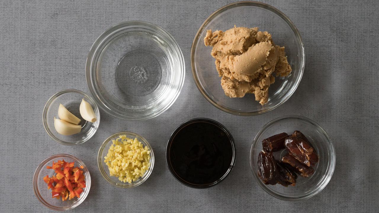 Preparing the Almond Sauce