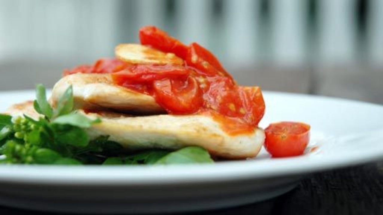 Quick Chicken W/ Tomato Garlic Compote