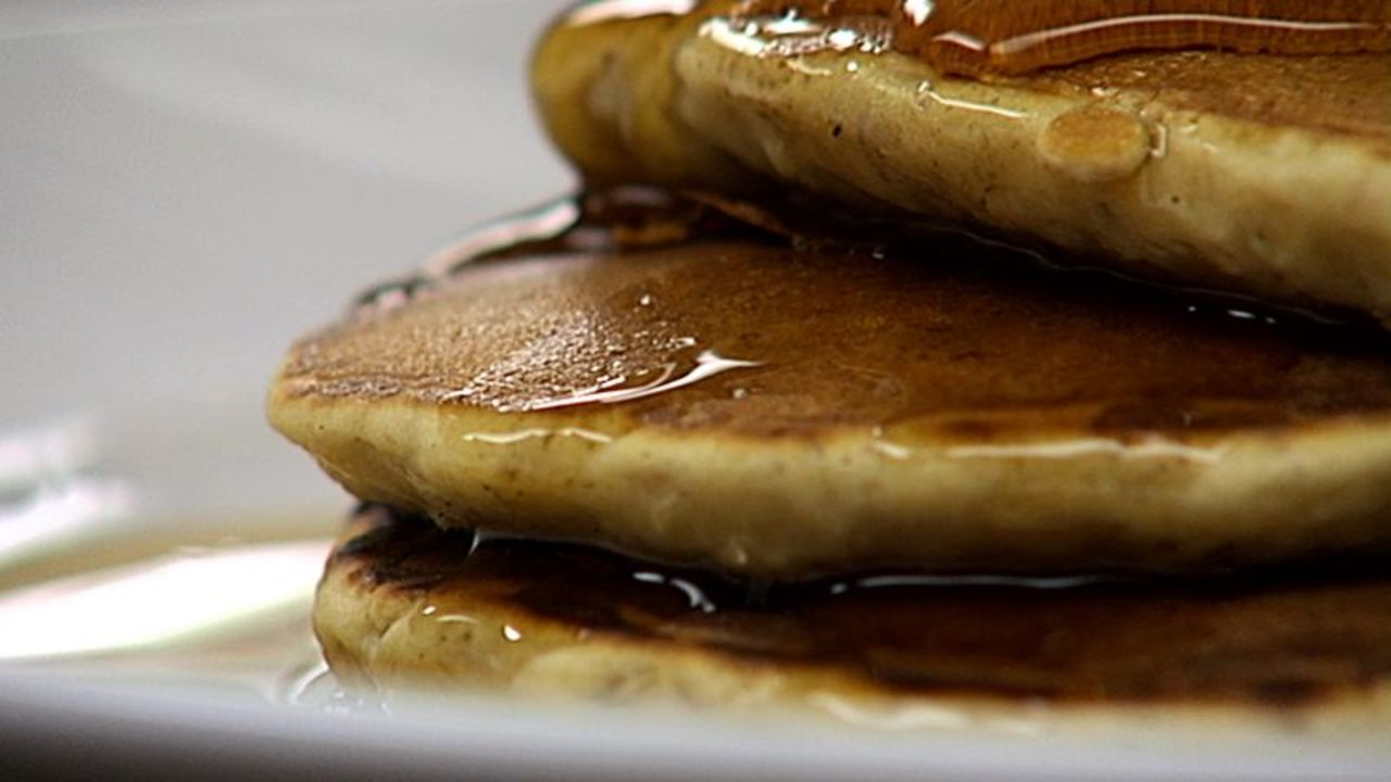 Cinnamon Oatmeal Raisin Pancakes