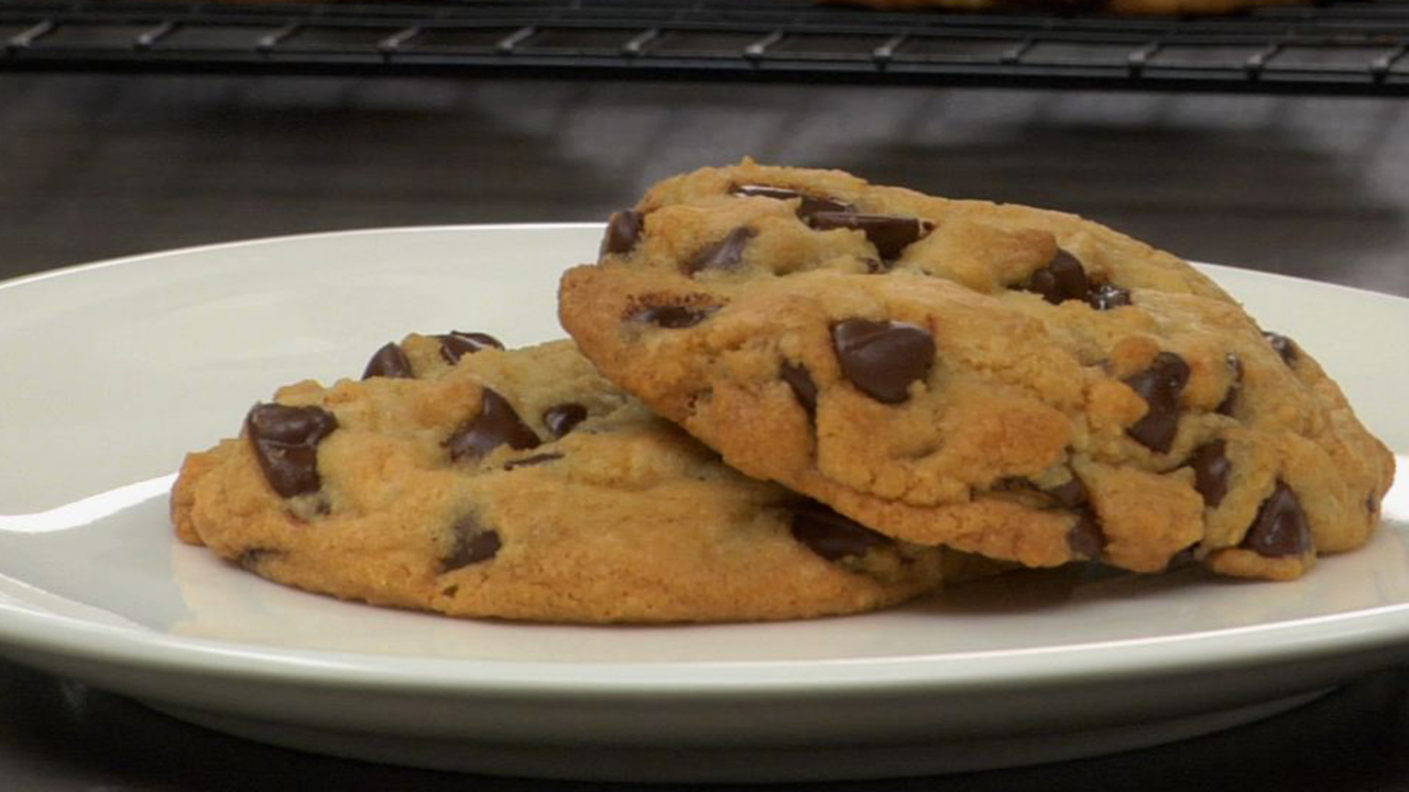 Chocolate chip cookies s1 hd1280
