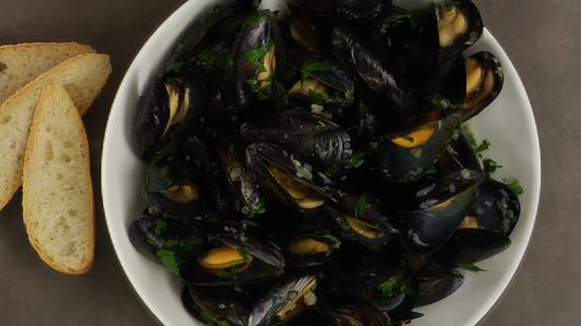 Mussels mariniere twocolumn
