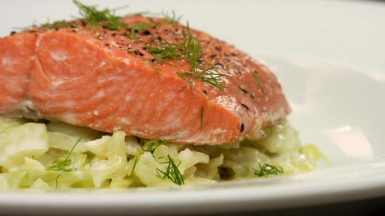 Steamed Salmon & Creamy Cabbage