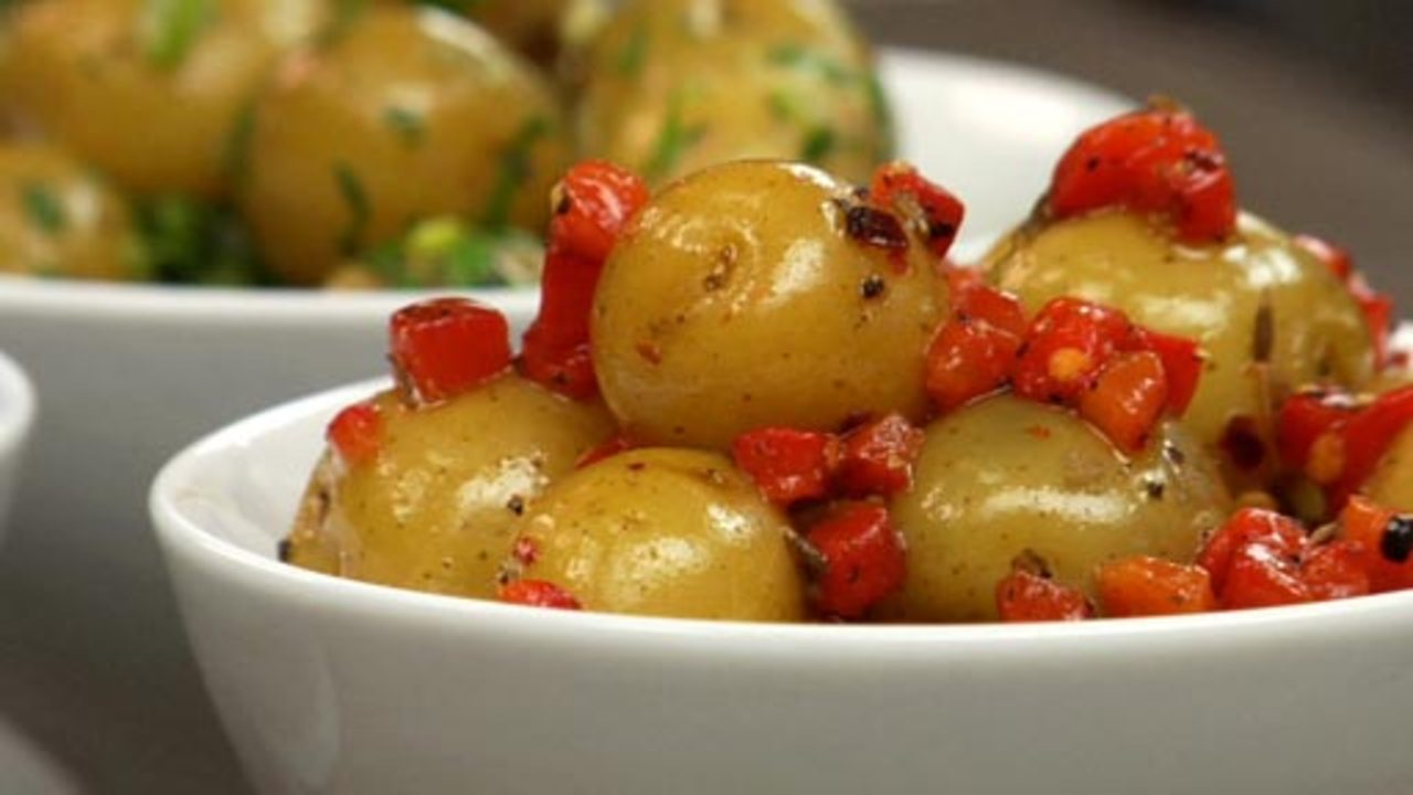 Steamed Potatoes W/ Roasted Red Pepper & Chilies