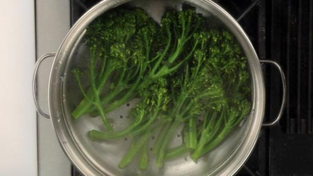 Steaming the Broccolini