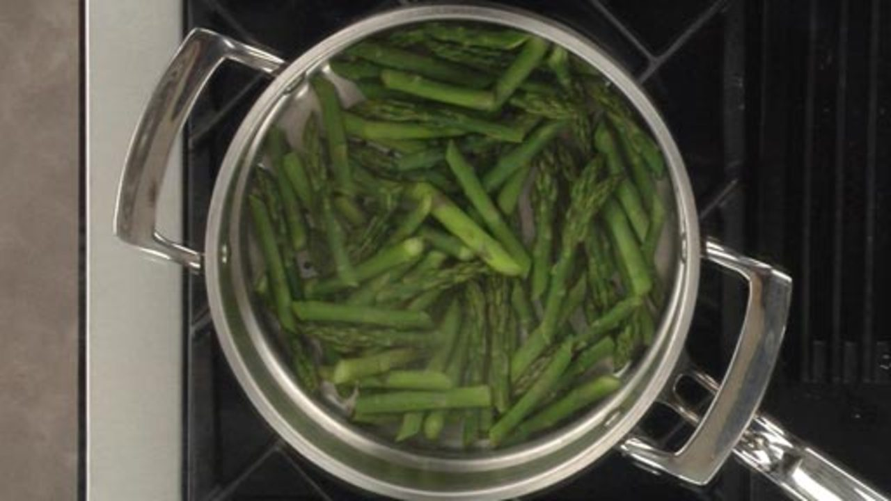 Steaming the Asparagus