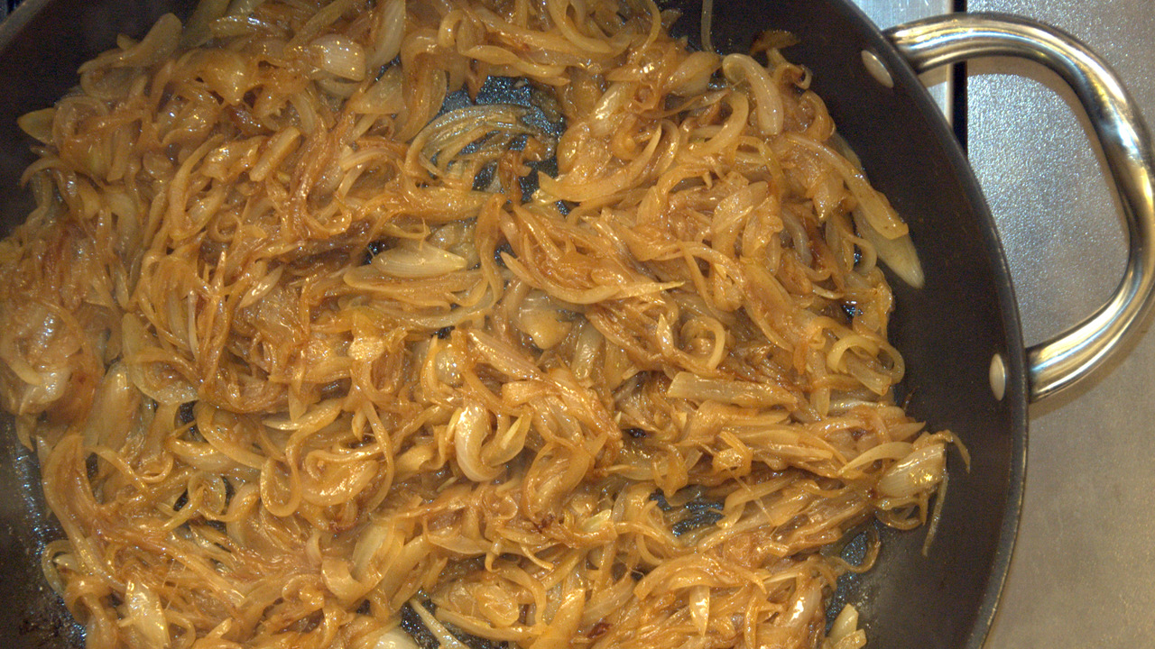 Preparing the Caramelized Onions