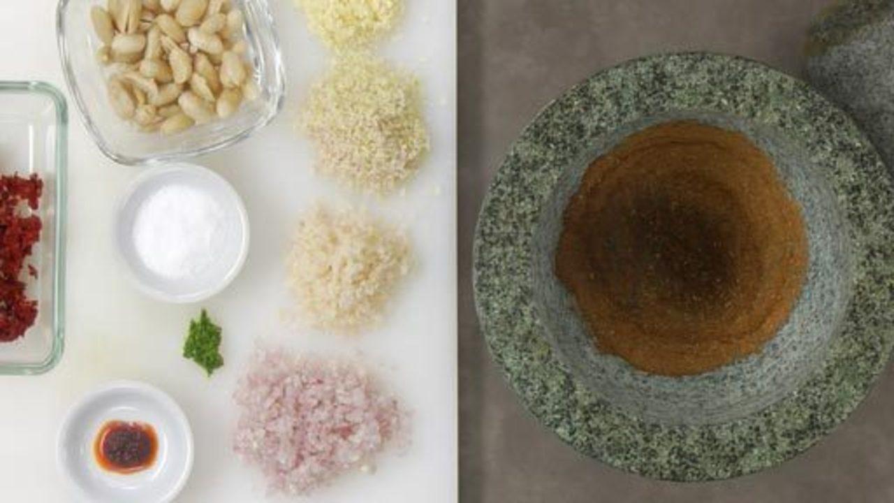 Making the Panang Paste