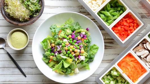 Twocolumn_salad_bar_condiments-256